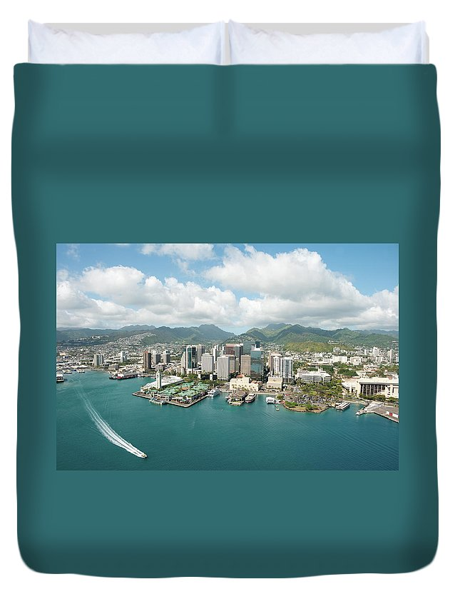 Honolulu Duvet Cover featuring the photograph Honolulu Skyline Shot From A Helicopter by 400tmax