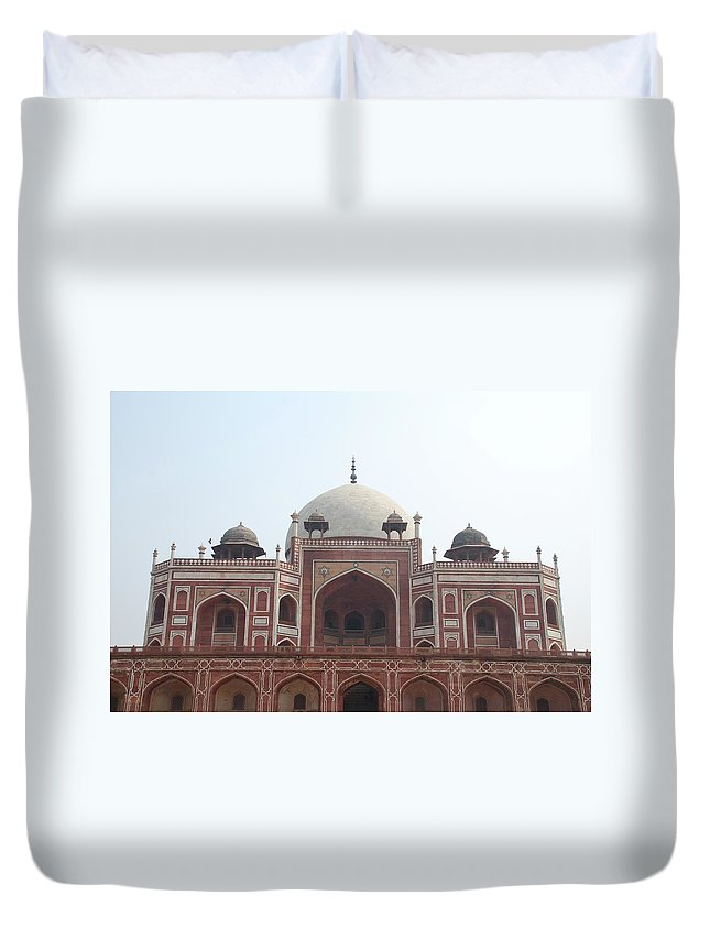 Arch Duvet Cover featuring the photograph Humayuns Tomb, Delhi by Brajeshwar.me