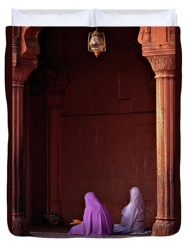 Hanging Duvet Cover featuring the photograph India - Jama Masjid Mosque by Sergio Pessolano
