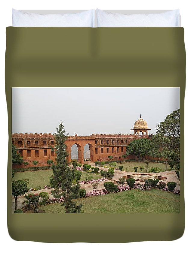 Arch Duvet Cover featuring the photograph Jaigarh Fort, Amer, Jaipur, Rajasthan by Marianna Sulic