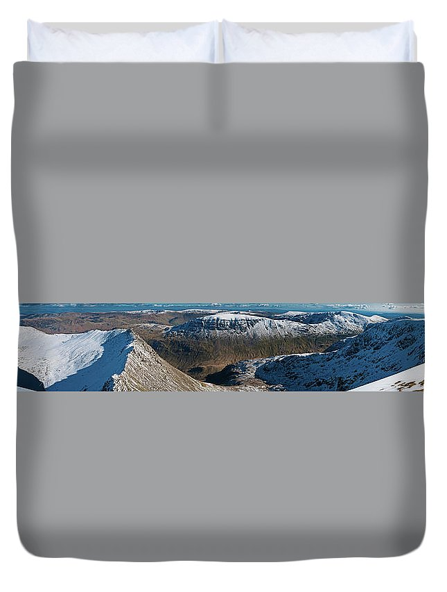 Scenics Duvet Cover featuring the photograph Lake District Striding Edge Helvellyn by Fotovoyager
