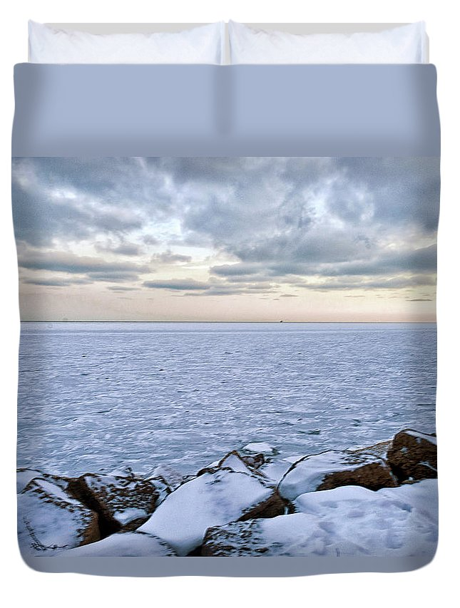 Tranquility Duvet Cover featuring the photograph Lake Michigan by By Ken Ilio