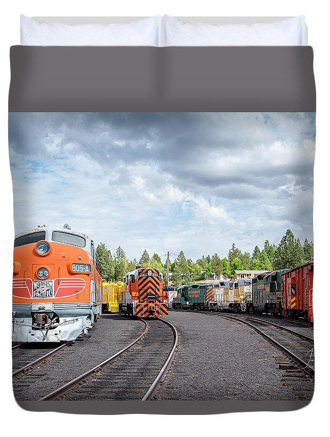 Caklifornia Duvet Cover featuring the photograph Lotsa Locomotives by Jim Thompson