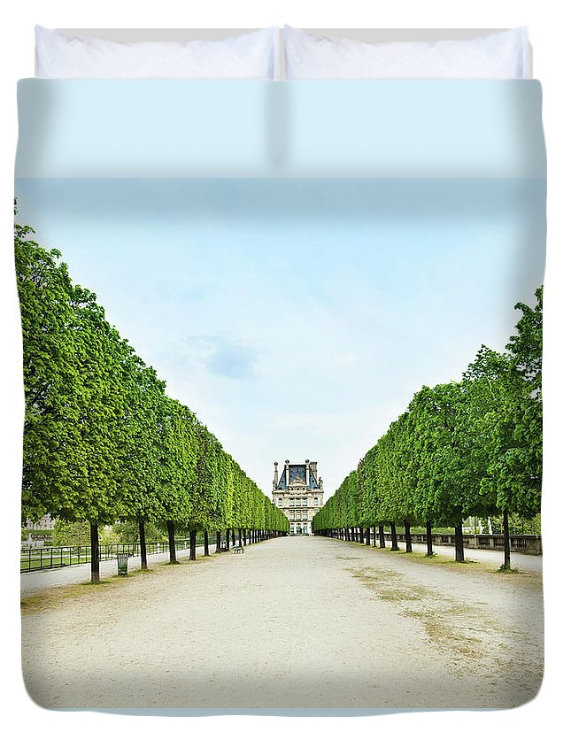Scenics Duvet Cover featuring the photograph Louvre In Paris by Nikada