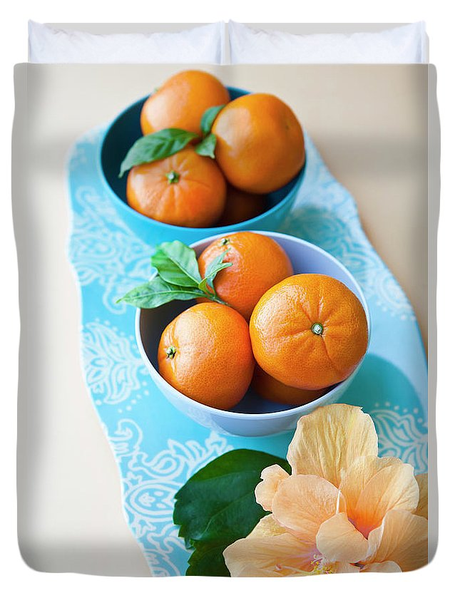 Florida Duvet Cover featuring the photograph Mandarin Oranges On A Platter by Pam Mclean