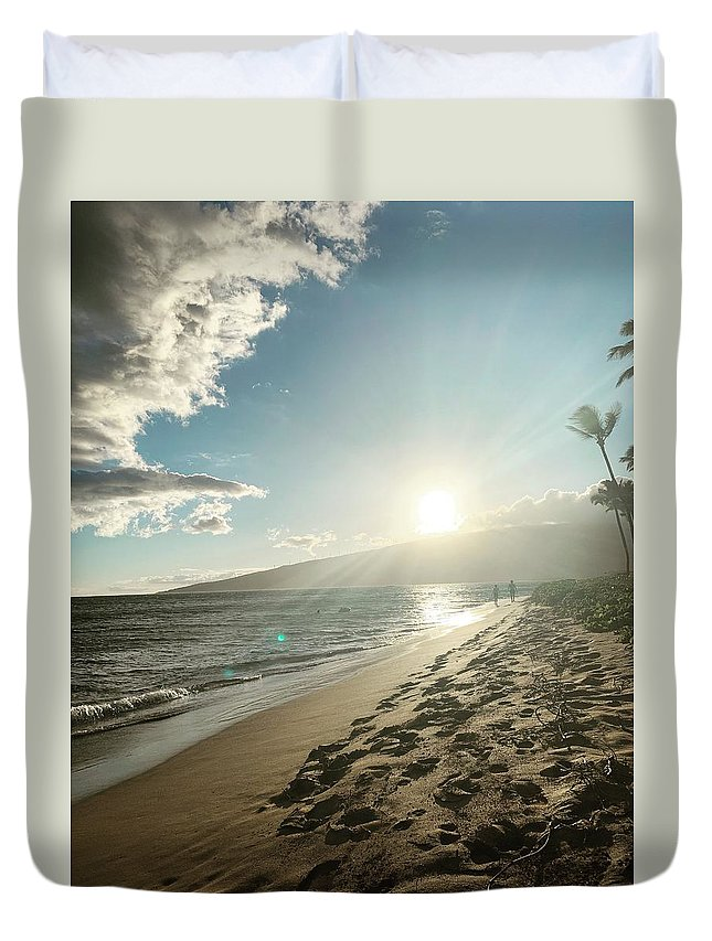 Hawaii Duvet Cover featuring the photograph Maui by Kristin Rogers