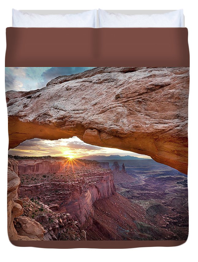 Tranquility Duvet Cover featuring the photograph Mesa Arch, Canyonlands, Utah by Simon J Byrne