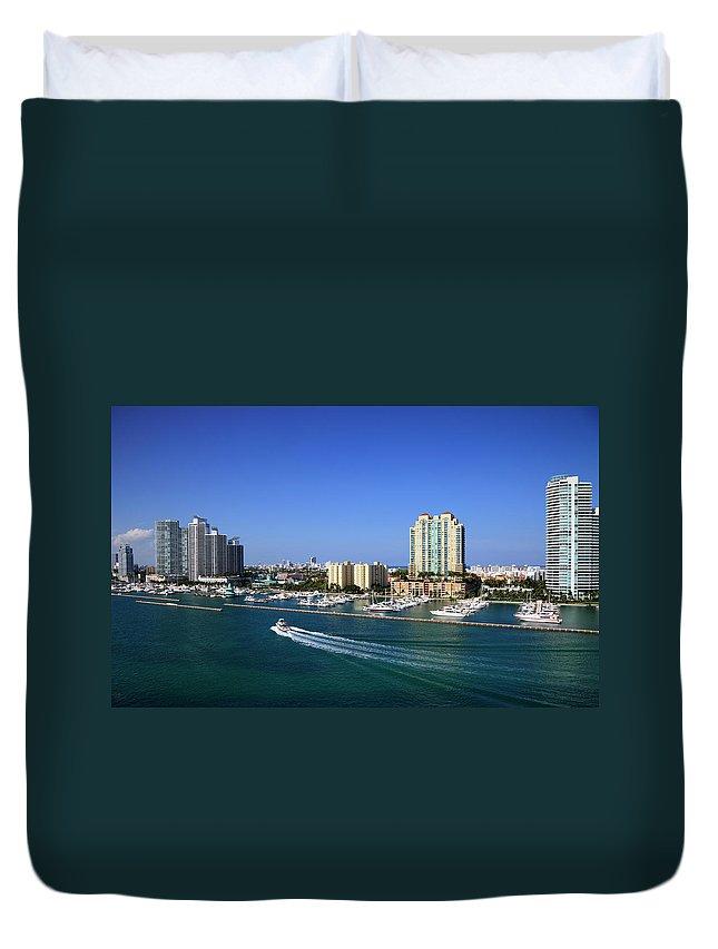 Built Structure Duvet Cover featuring the photograph Miami Beach Marina by Jorgegonzalez