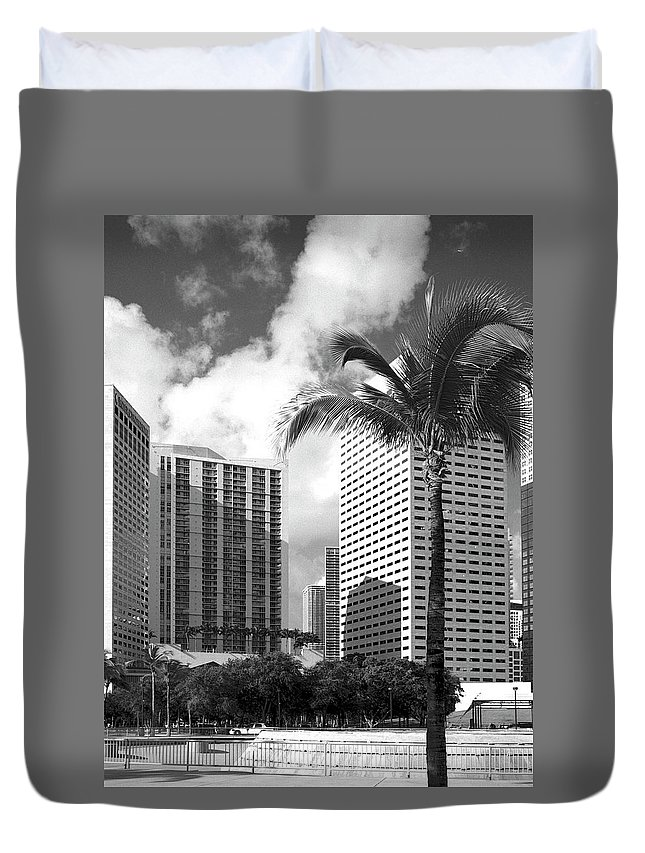 Park Duvet Cover featuring the photograph Miami Downtown 071903 by Rudy Umans