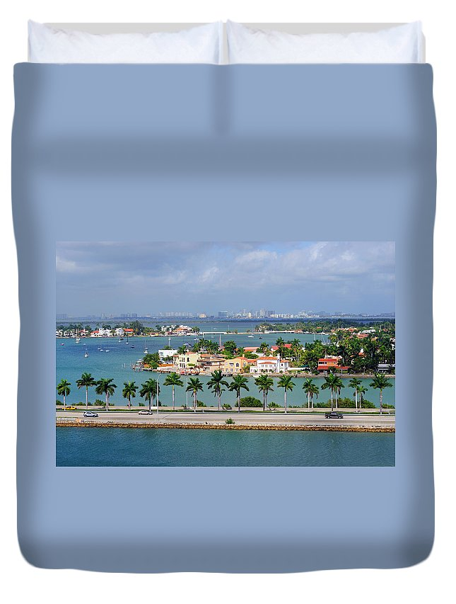 Trading Duvet Cover featuring the photograph Miami Mac Arthur Causeway En Route To by Jfmdesign