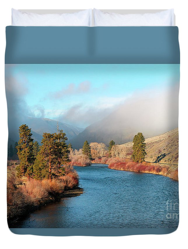 Yakima River Duvet Cover featuring the photograph Morning Fog On The Yakima by Mike Dawson