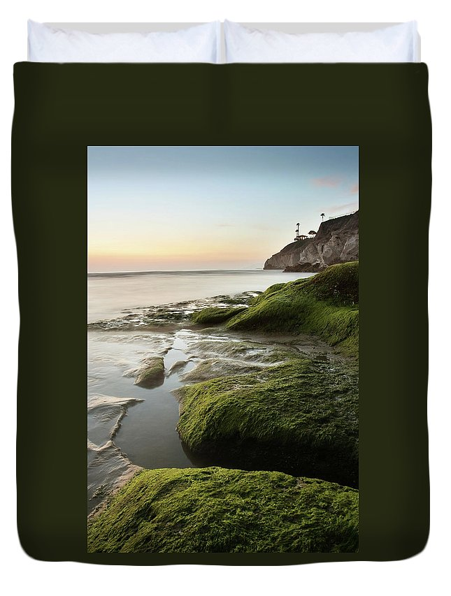 Pismo Beach Duvet Cover featuring the photograph Mossy Rocks At Pismo Beach by Kevinruss