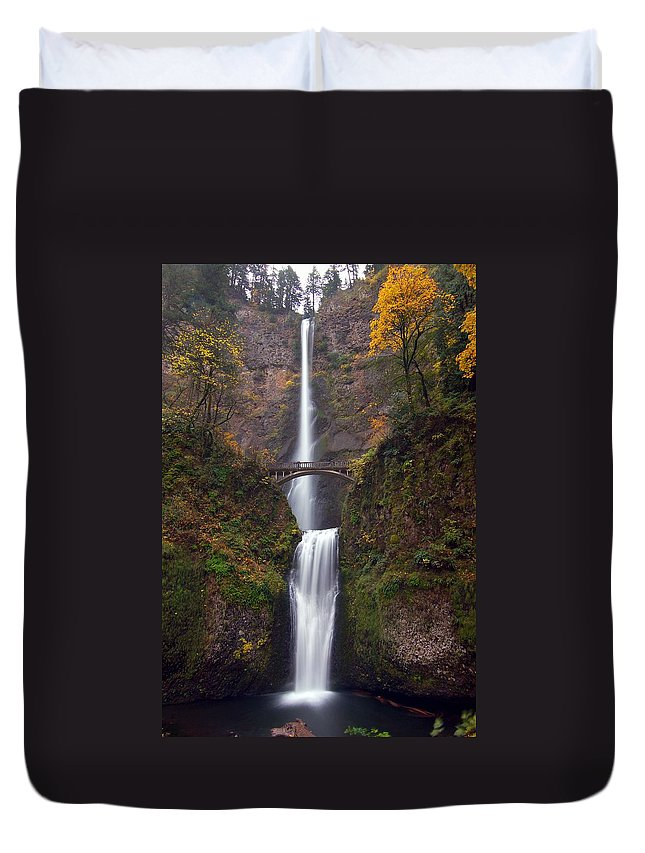 Scenics Duvet Cover featuring the photograph Multnomah Falls by Ted Ducker Photography