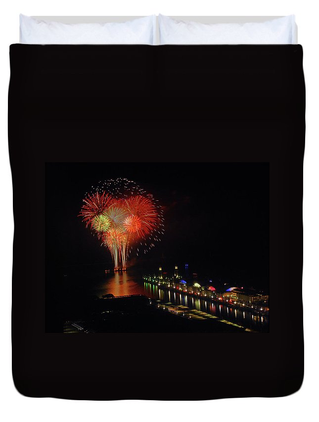 Firework Display Duvet Cover featuring the photograph Navy Pier Fireworks by Image By Douglas R. Siefken