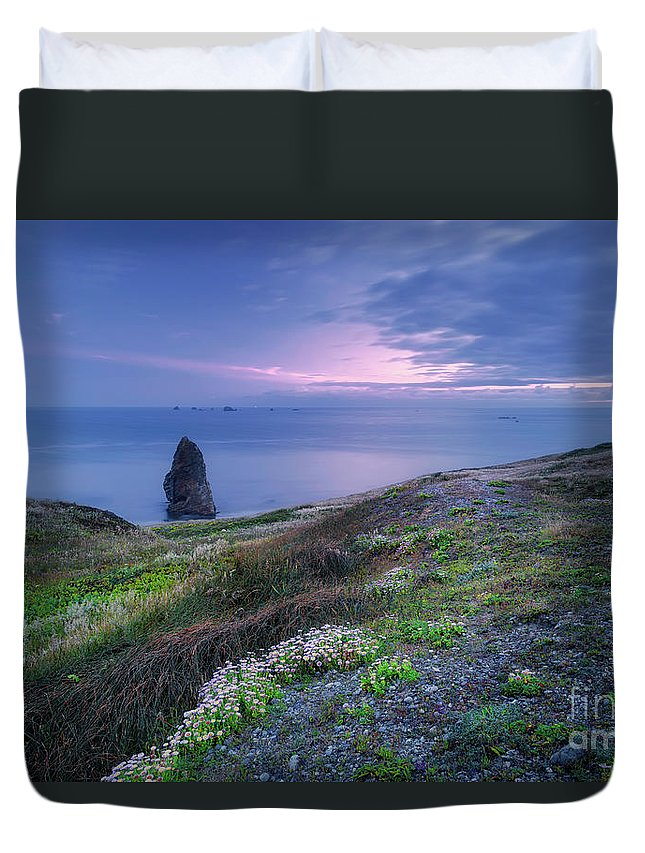 Needle Rock Duvet Cover featuring the photograph Needle Rock by Masako Metz