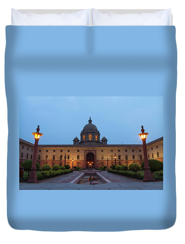 New Delhi Duvet Cover featuring the photograph New Delhi President House At Night by Prognone