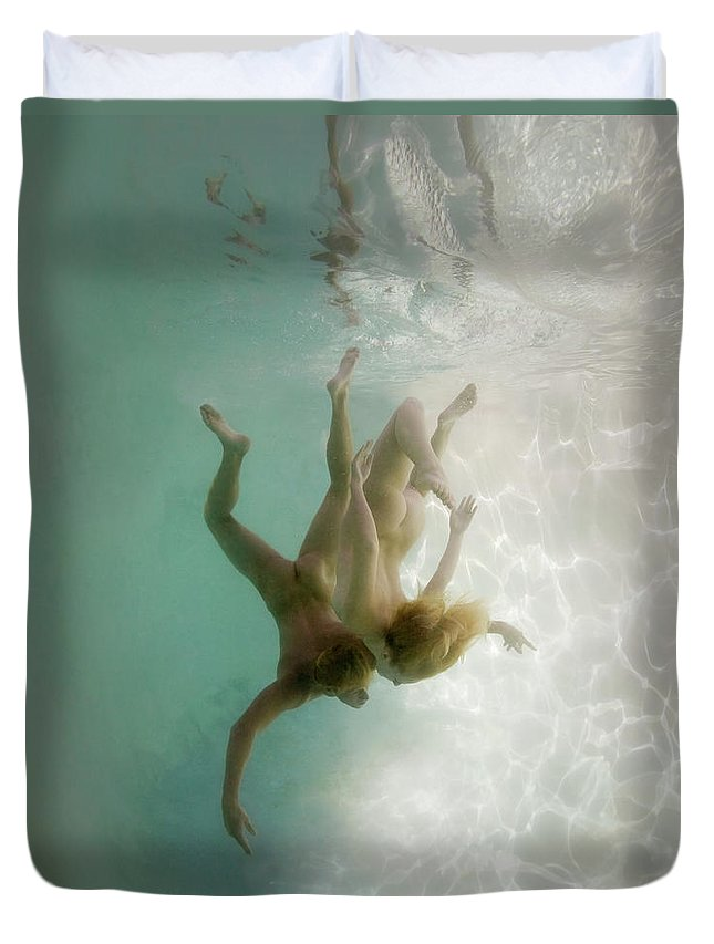 Young Men Duvet Cover featuring the photograph Nude Man And Woman Underwater by Ed Freeman