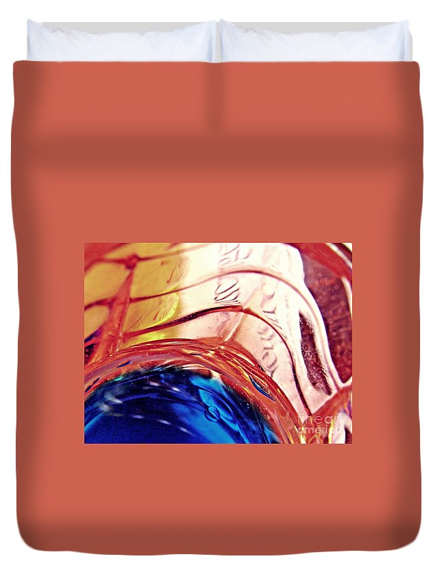 Oil Duvet Cover featuring the photograph Oil And Water 26 by Sarah Loft