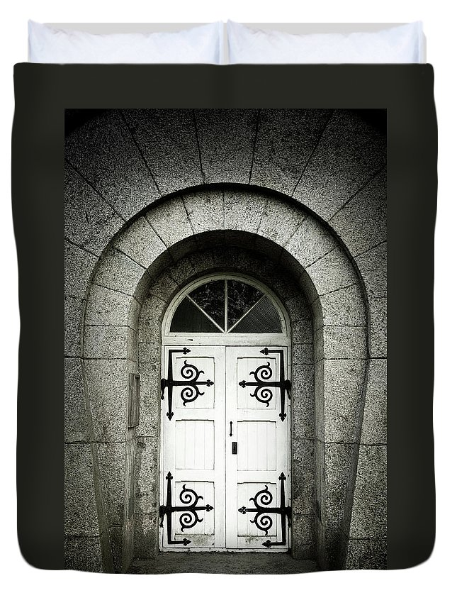 Arch Duvet Cover featuring the photograph Old Entrance by Lordrunar
