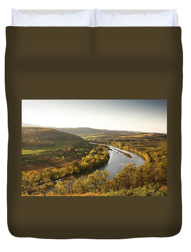 Non-urban Scene Duvet Cover featuring the photograph Pennsylvania Valley In Autumn by Pgiam