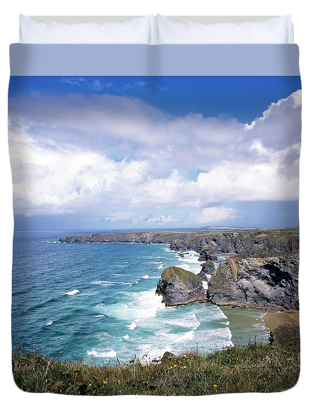 Water's Edge Duvet Cover featuring the photograph Picturesque Cornwall - Bedruthan by Chrisat