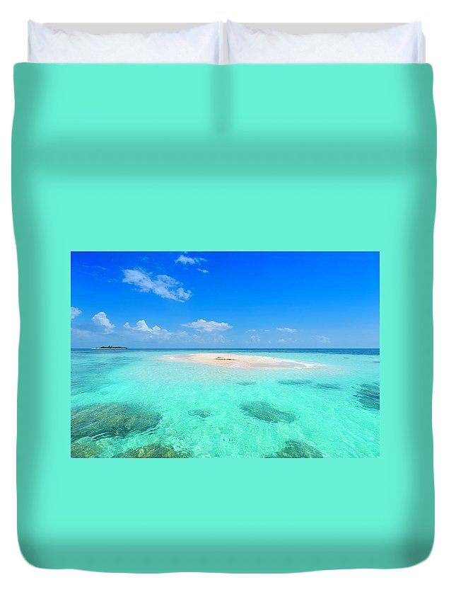 Scenics Duvet Cover featuring the photograph Remote Islands In The Ocean by Apomares