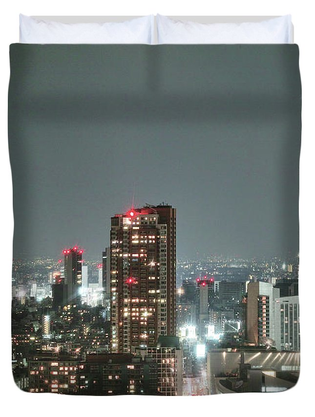 Tokyo Tower Duvet Cover featuring the photograph Roppongi From Tokyo Tower by Spiraldelight
