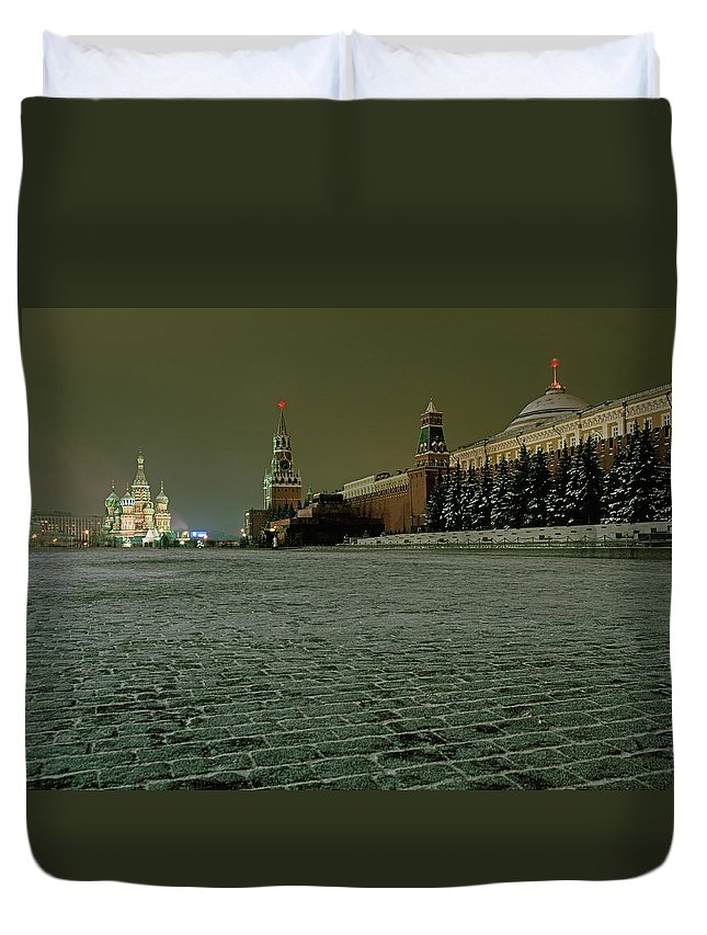 Outdoors Duvet Cover featuring the photograph Russia, Moscow, Red Square And Kremlin by Hans Neleman