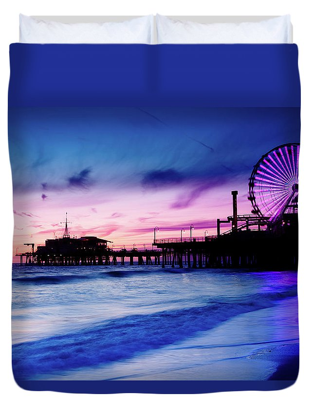 Commercial Dock Duvet Cover featuring the photograph Santa Monica Pier With Ferris Wheel by Pawel.gaul
