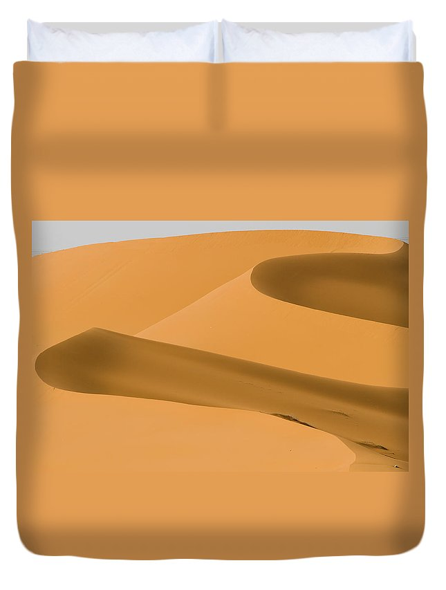 Scenics Duvet Cover featuring the photograph Saudi Sand Dune by Universal Stopping Point Photography