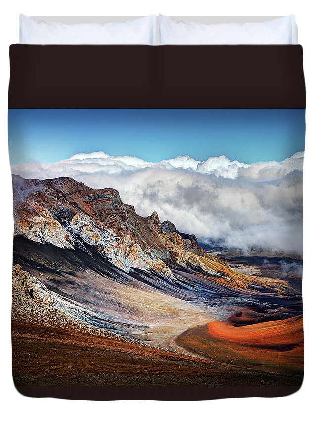 Scenics Duvet Cover featuring the photograph Sliding Sands Trail, Haleakala National by Ed Freeman