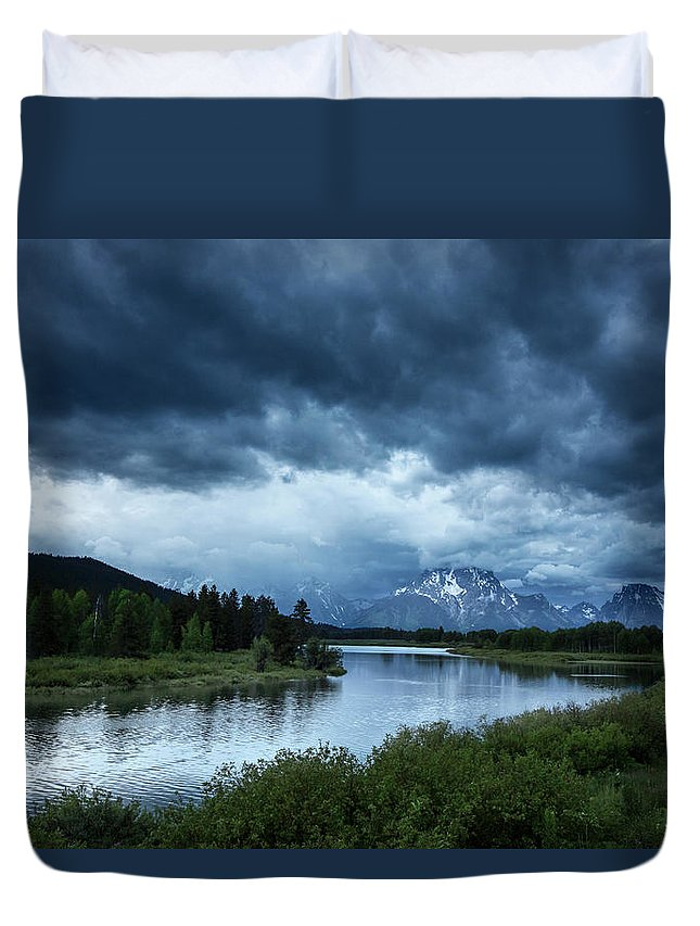 Tranquility Duvet Cover featuring the photograph Snake River by Xavier Arnau Serrat