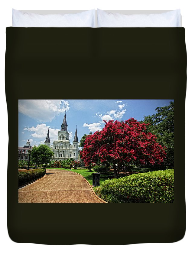 Outdoors Duvet Cover featuring the photograph St. Louis Cathedral by Www.infinitahighway.com.br