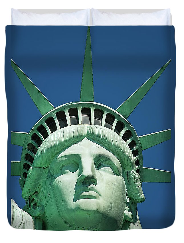 Crown Duvet Cover featuring the photograph Statue Of Liberty by Tetra Images