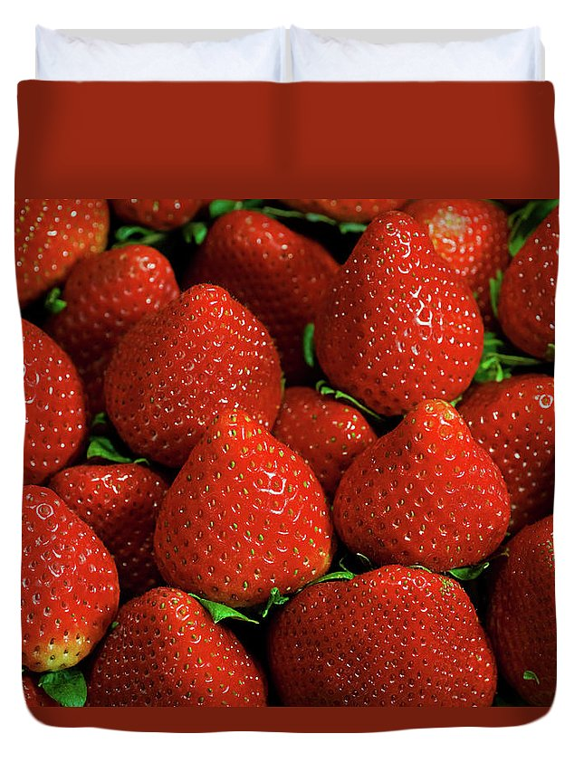 Large Group Of Objects Duvet Cover featuring the photograph Strawberry Cliche by By Ken Ilio