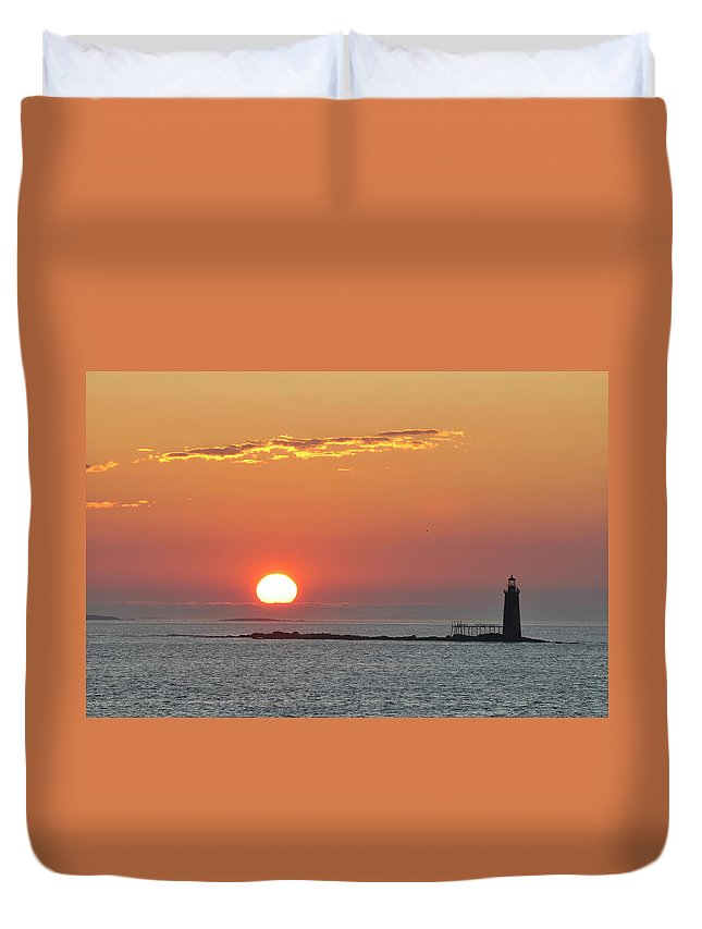 Scenics Duvet Cover featuring the photograph Sunrise by Aimintang
