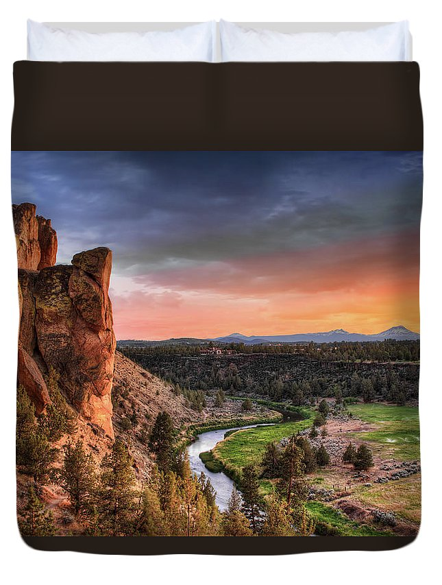 Scenics Duvet Cover featuring the photograph Sunset At Smith Rock State Park In by David Gn Photography