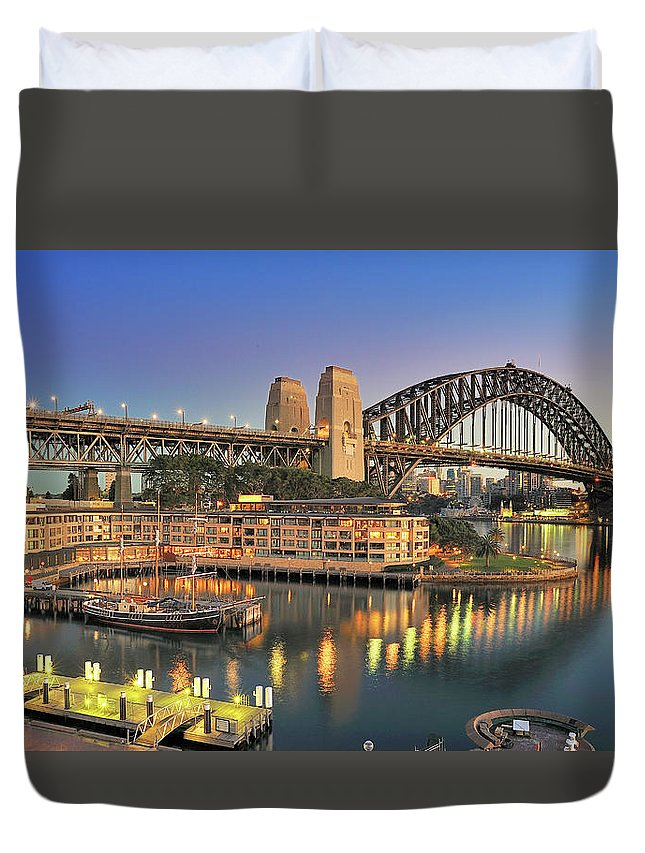 Built Structure Duvet Cover featuring the photograph Sydney Harbour Bridge by Warwick Kent
