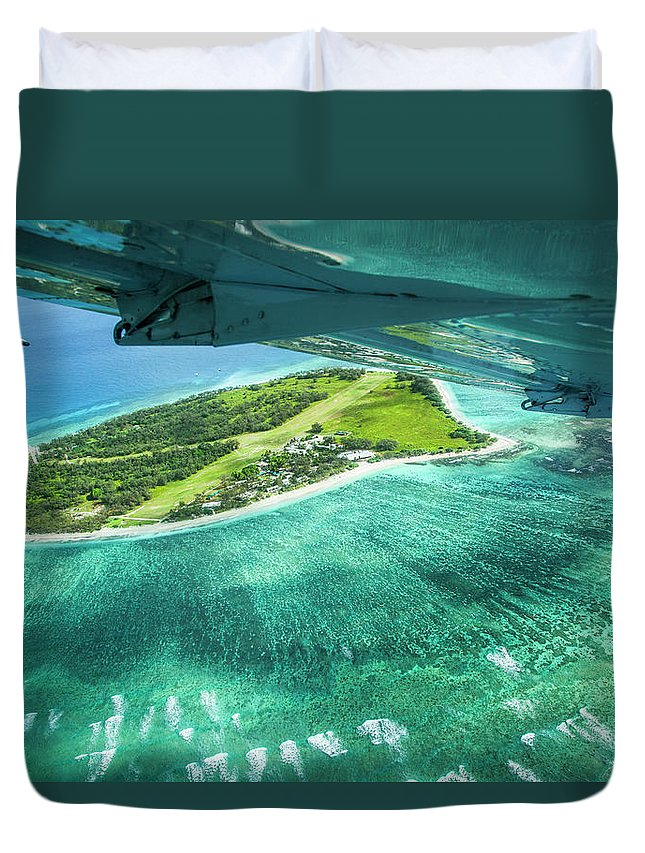 Grass Duvet Cover featuring the photograph Taking Off From Great Barrier Reef by Nick