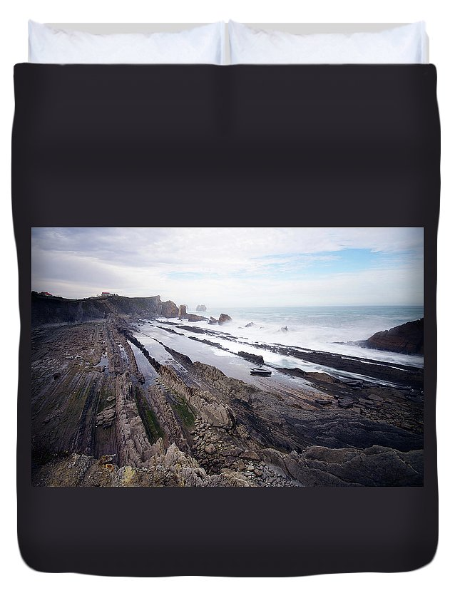 Scenics Duvet Cover featuring the photograph Taste Of The Sea by David Díez Barrio