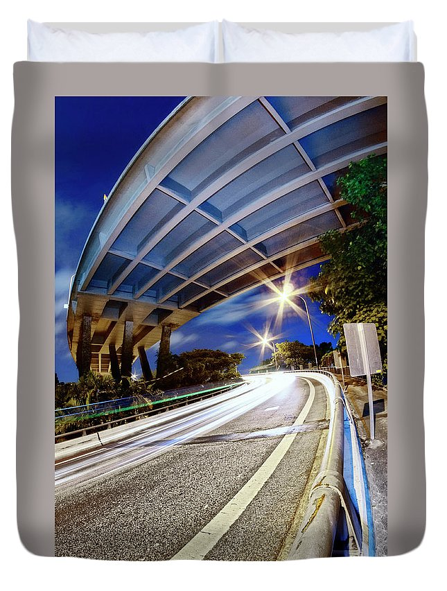 Curve Duvet Cover featuring the photograph Taste Tarmac by (c) Jonathan Chiang/scintt