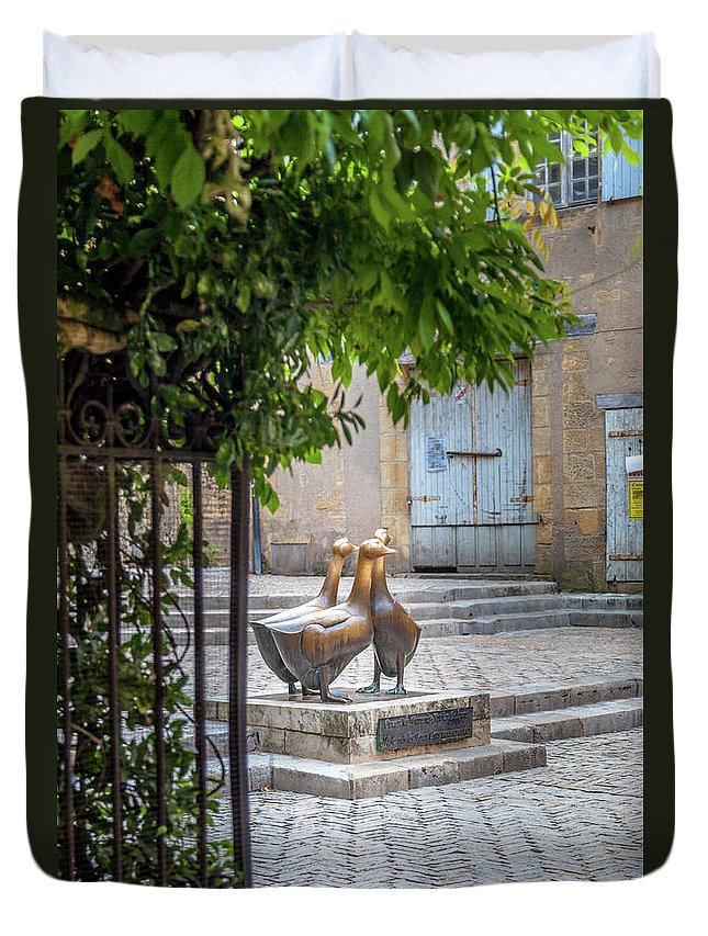 Statue Duvet Cover featuring the photograph The Famous Geese Of Sarlat by W Chris Fooshee