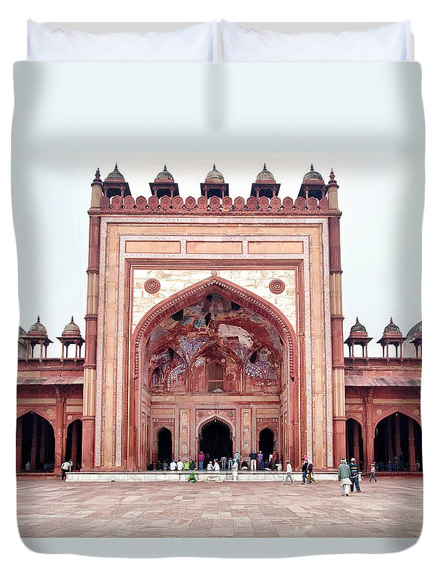 Arch Duvet Cover featuring the photograph The Jama Masjid Mosque _3940 by Photograph By Howard Koons