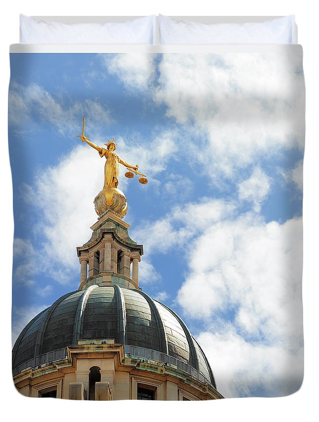 Statue Duvet Cover featuring the photograph The Old Bailey, Central Criminal Court by Peter Dazeley