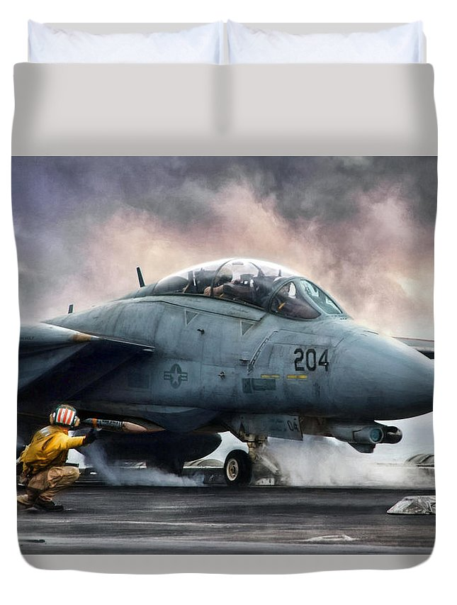 Aviation Duvet Cover featuring the digital art The Shooter by Peter Chilelli