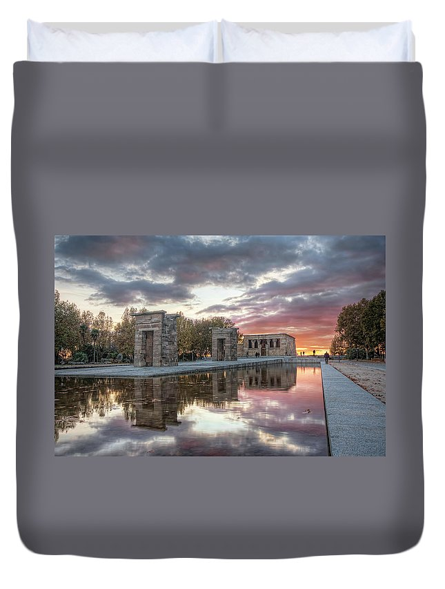 Arch Duvet Cover featuring the photograph The Twilight Of The Gods by Servalpe