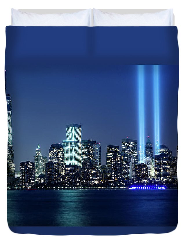 Tranquility Duvet Cover featuring the photograph Tribute In Lights by Nathan Blaney