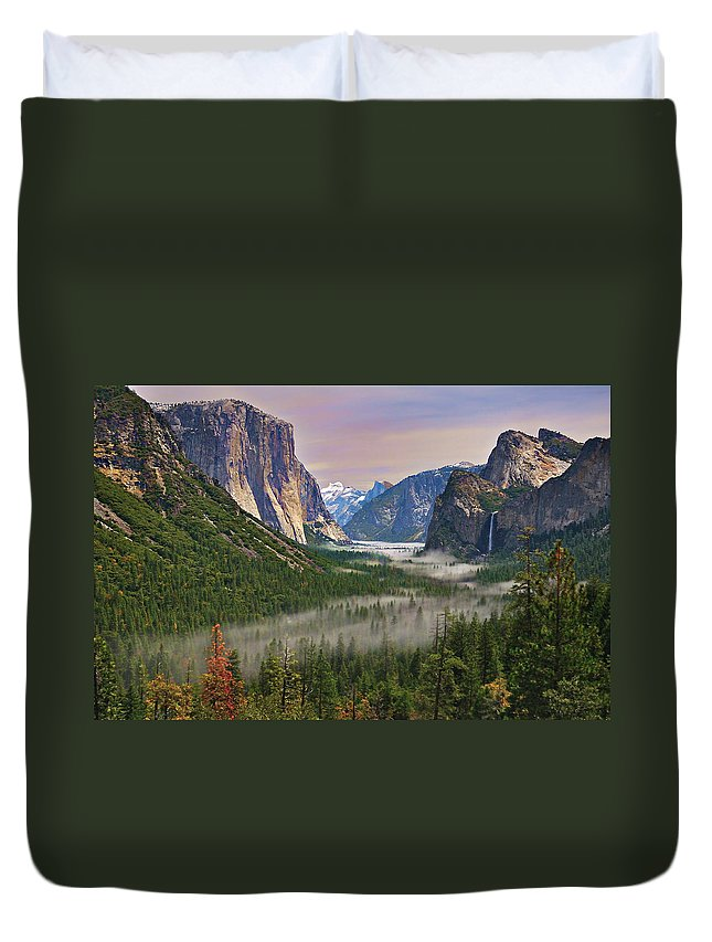 Scenics Duvet Cover featuring the photograph Tunnel View. Yosemite. California by Sapna Reddy Photography