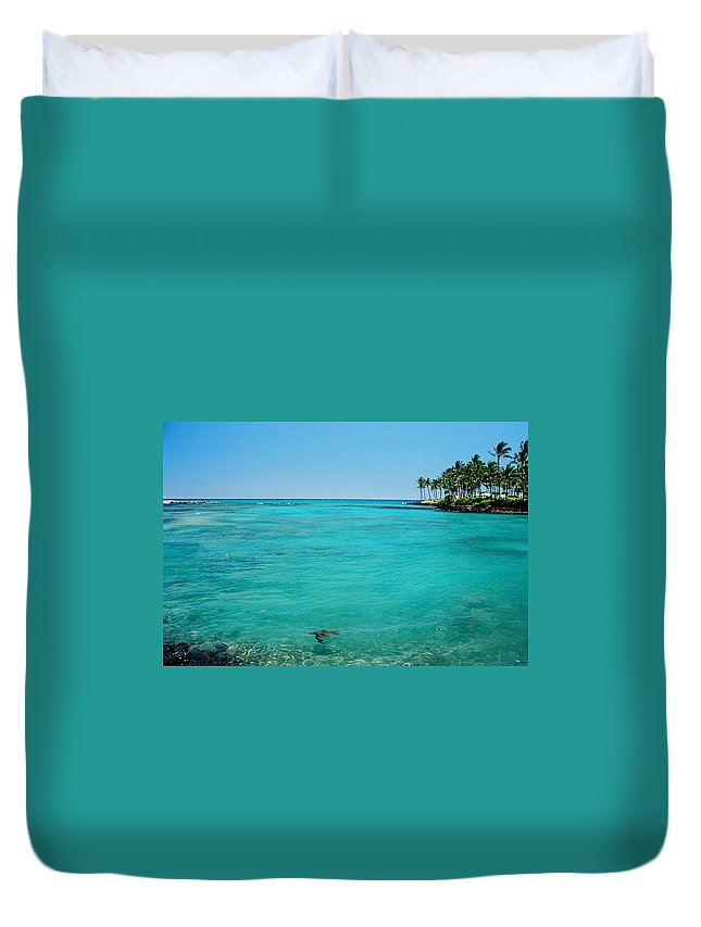 Water's Edge Duvet Cover featuring the photograph Underwater Turtle In Maui Hawaii Resort by Ejs9