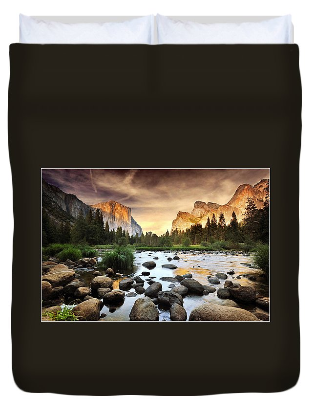 Scenics Duvet Cover featuring the photograph Valley Of Gods by John B. Mueller Photography